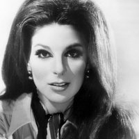 Music Friday: Young Bobbie Gentry Wears Faux Ruby Ring in 'Chickasaw County Child'